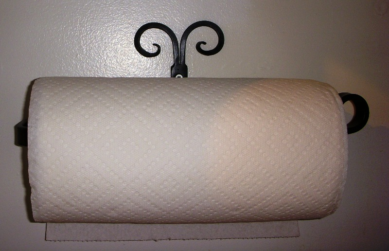 Split Curl Paper Towel Holder